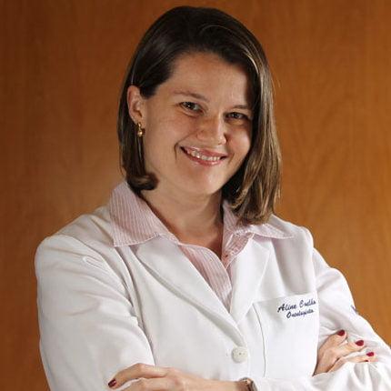 Aline-Coelho-Oncologista